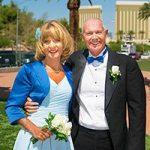 Brautpaar während des Foto-Shootings am Las Vegas Sign