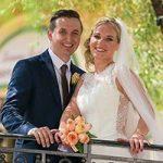 Das Brautpaar freut sich über eine traumhafte Trauungszeremonie in Las Vegas und die genialen Hochzeit-Fotos.