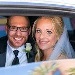 Brautpaar in Wedding Limousine vor Las Vegas Hochzeitskapelle