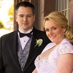 Das Brautpaar hat einen wundervollen Hochzeitstag in Las Vegas erlebt.